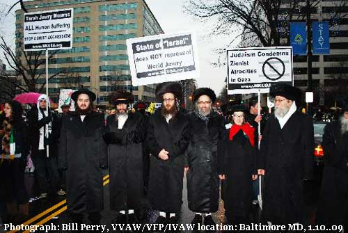 Peace Can Be Universal - Hasidic Rabbis Against Zionist Israel - Photograph: Bill Perry, VVAW/VFP/IVAW location: Baltimore MD, 1.10.09